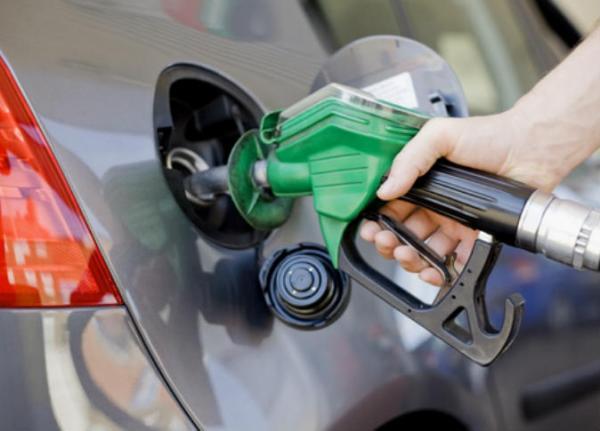 قررت لجنة تسعير المشتقات النفطية تخفيض أسعار البنزين أوكتان 90 إلى 695 فلسا للتر الواحد